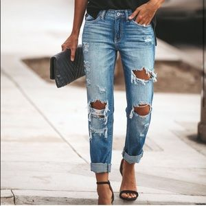 NWT✨ KanCan Distressed Relaxed Boyfriend Fit 👖